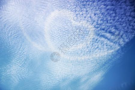云端上的感觉图片