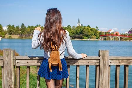 美兰湖美女写真图片