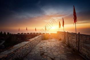 城墙朝阳图片