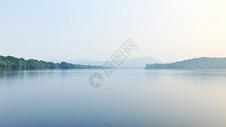 宁静的西湖图片