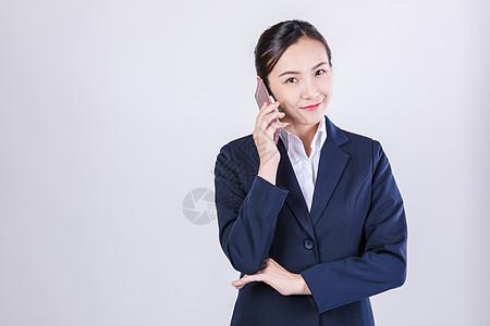 职业女性手机接听棚拍图片