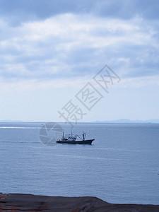 海上的船只图片