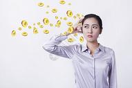 职业女性思考钱图片