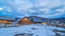 新疆喀纳斯景区禾木村500668093图片