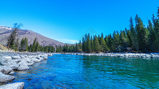 新疆喀纳斯湖景区图片
