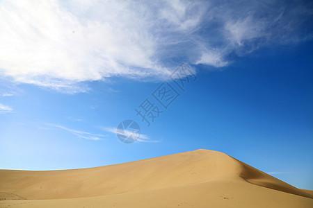 甘肃敦煌鸣沙山沙丘风景照图片