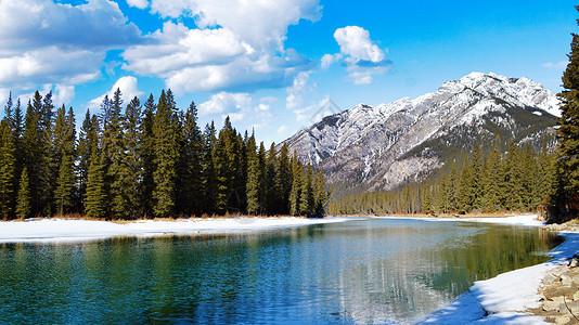 美丽的山川与湖泊图片