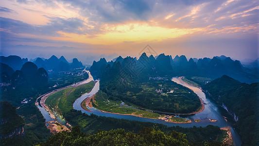广西阳朔大面山日出全景图片