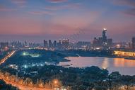 武汉夕阳下的月湖图片