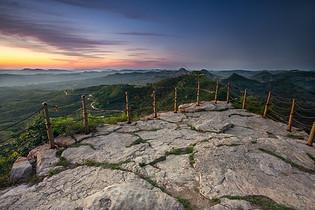 山顶观景平台高清图片下载图片