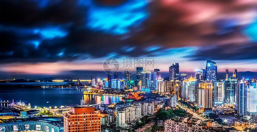 青岛市中心建筑夜景图片