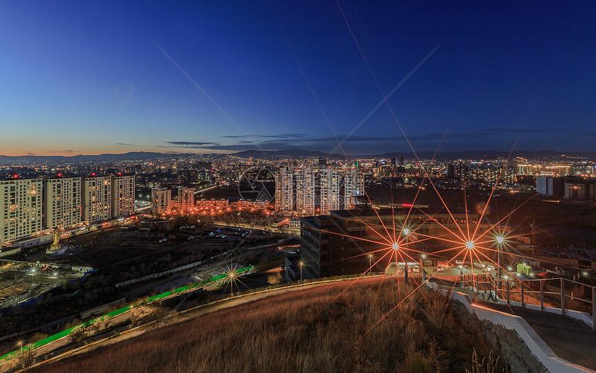 城市夜景天际线图片