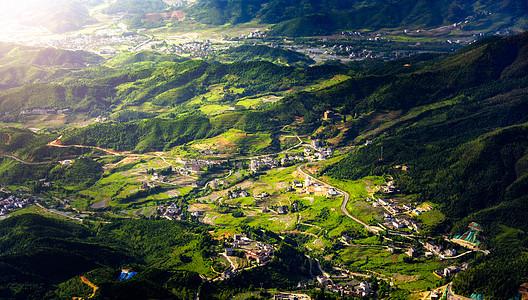 江西武功山村庄美景图片