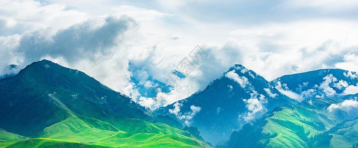 云雾绕山间图片