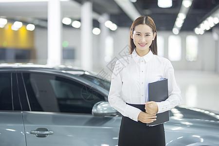 汽车销售员图片