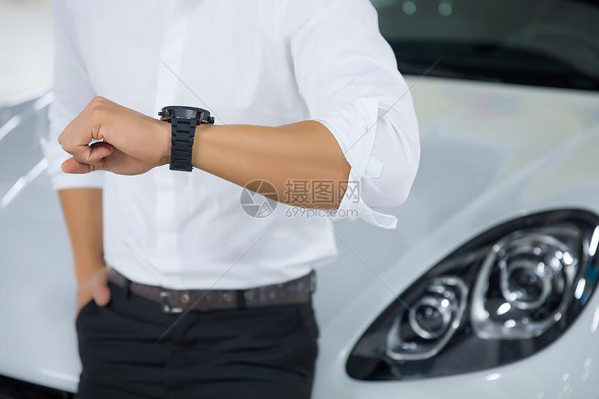 商务男性汽车腕表图片