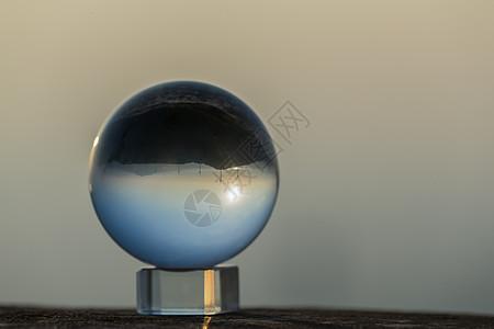 水晶球中的风景图片