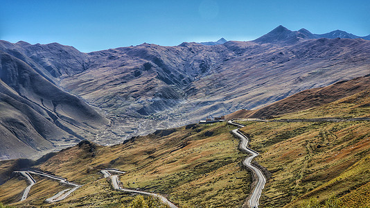 高原盘山公路图片