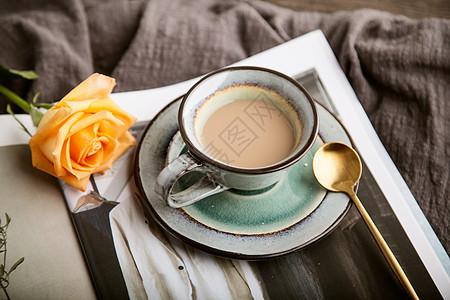 咖啡与玫瑰图片