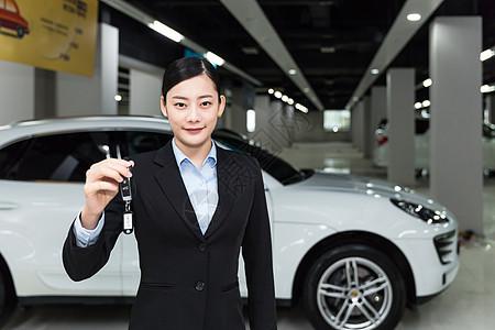 商务人像销售人员交车钥匙图片
