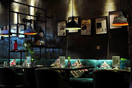 优雅的西式餐厅图片