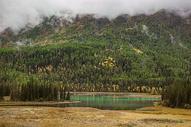 喀纳斯湖美景图片