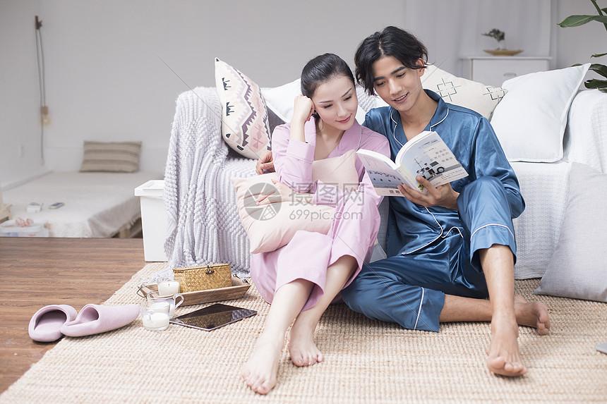 二人世界的居家生活图片