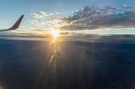 高空夕阳图片