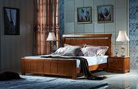 卧室里的大床图片