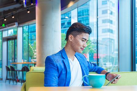 咖啡馆男性办公高清图片