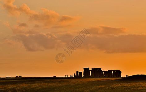 英格兰索尔兹伯里广柔平原上的巨石阵图片