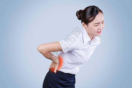 腰疼的女士图片