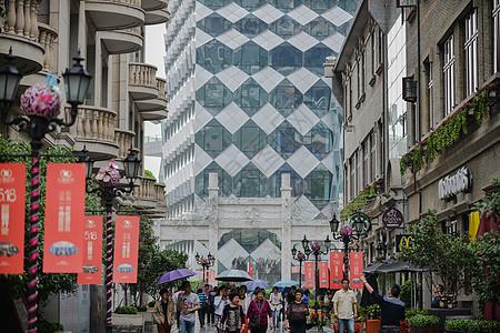 武汉武昌著名的步行街-楚河汉街图片