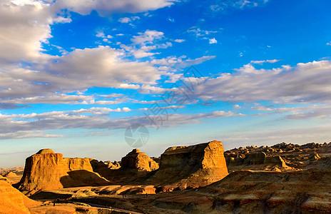 新疆魔鬼城图片