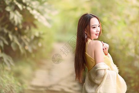 长发美女小清新写真图片