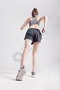 运动女性跑步背影图片