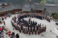 贵州苗寨集体舞图片