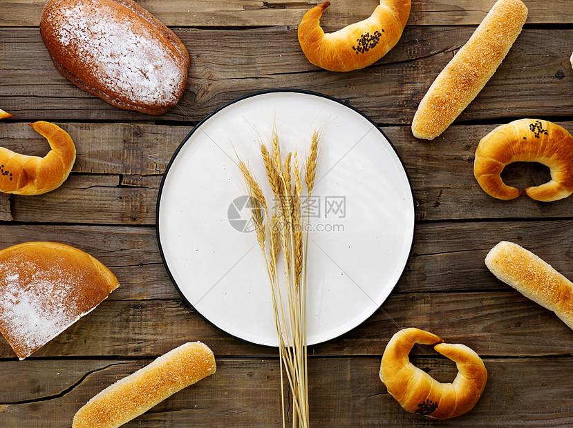 面包和小麦图片