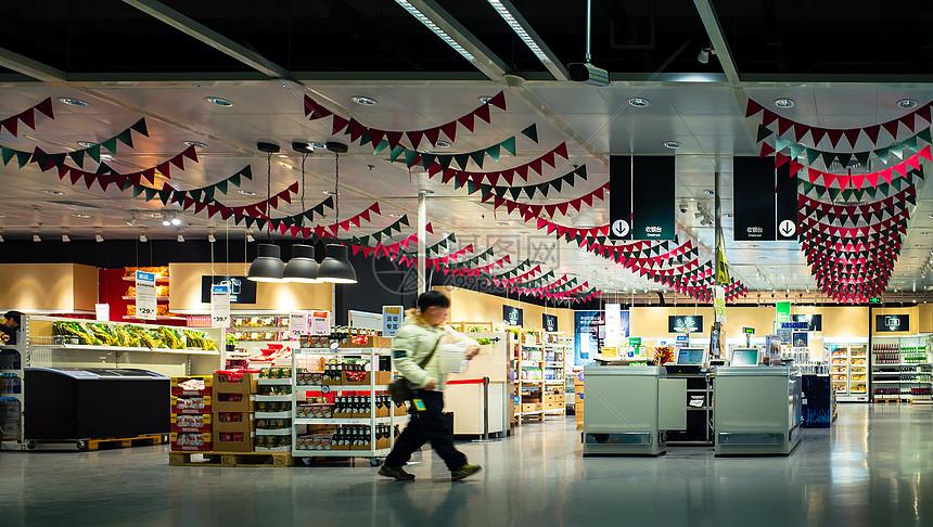 明亮的超市图片