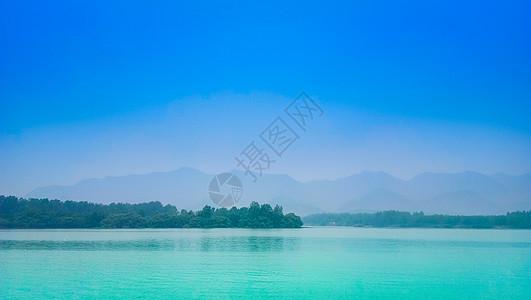 青山绿水河流湖泊图片