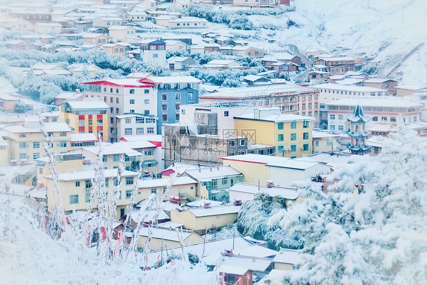 郎木寺小镇雪景东风小瑞士图片