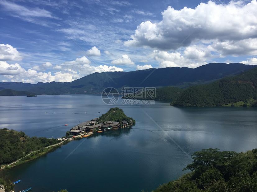 俯瞰泸沽湖图片