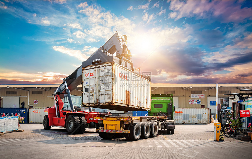 集装箱货物图片