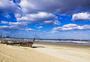 海边的蓝天白云图片