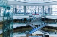 上海机场设施电梯图片