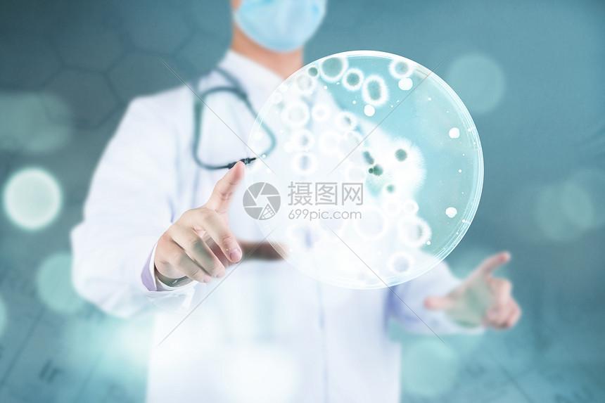 医生手中的血小板图片