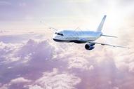 云端上的航空运输图片