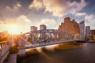 外白渡桥夕阳图片