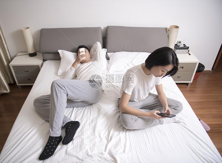 夫妻冷暴力图片