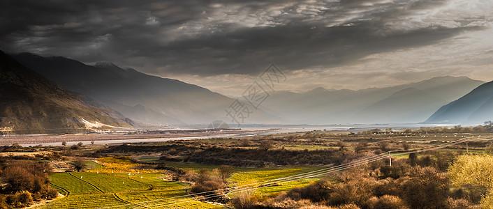 雅鲁藏布江的晨曦图片